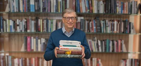 Bill Gate đọc sách mỗi ngày và tuân thủ quy tắc ghi chép lại những ý quan trọng